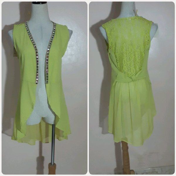 Used Top or vest fashion for her in Dubai, UAE