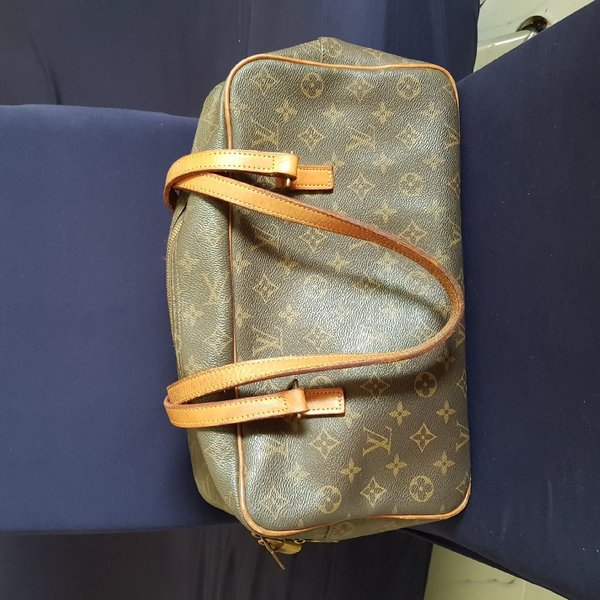 Used Louis Vuitton Vintage in Dubai, UAE