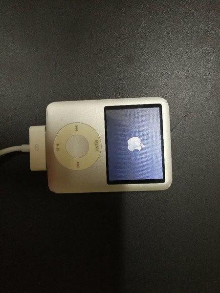 Used IPod Nano Classic 4GB in Dubai, UAE