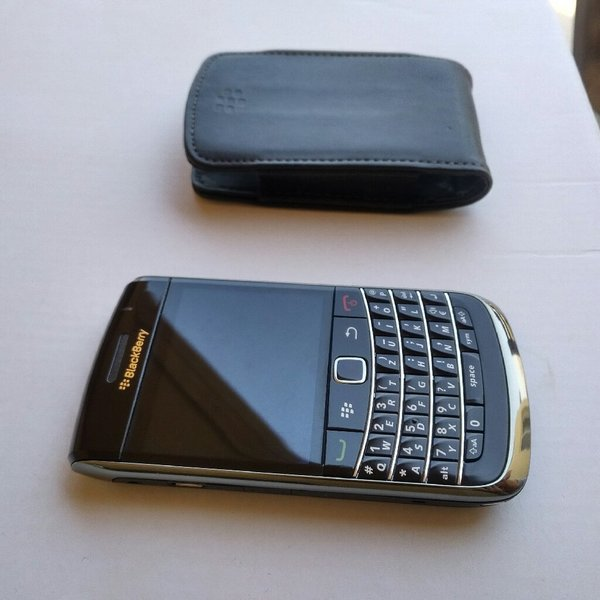Used Blackberry Bold 9700 new without box in Dubai, UAE