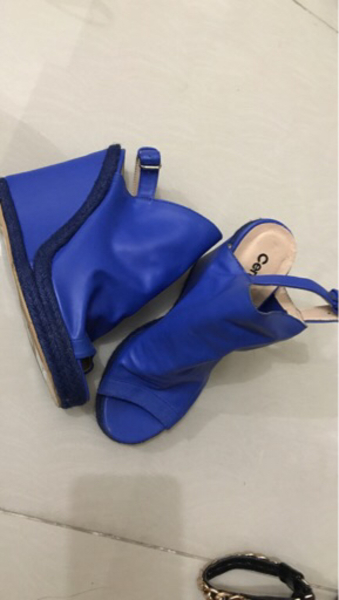 Used Blue shoes very comfortable 36-37 size in Dubai, UAE