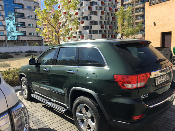 Used Jeep Grand Cherokee Limited GCC Specs (Low Milage) in Dubai, UAE