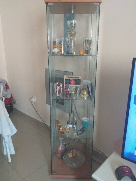 Used Glass Cabinets (Showcase) in Dubai, UAE