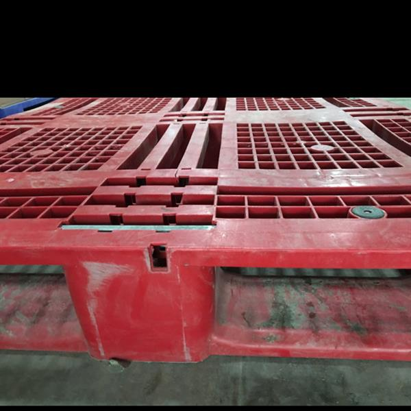 Used Second Hand Pallets Worth Aed 150.00 in Dubai, UAE