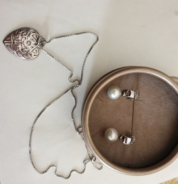 Used 925 necklace and earings in Dubai, UAE