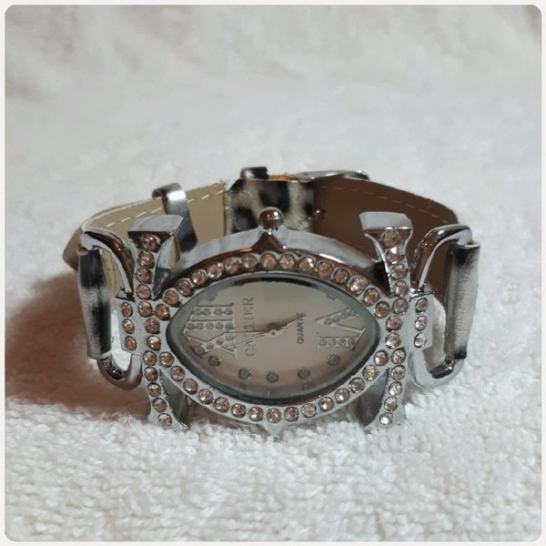 Used Cartier watch for Women in Dubai, UAE