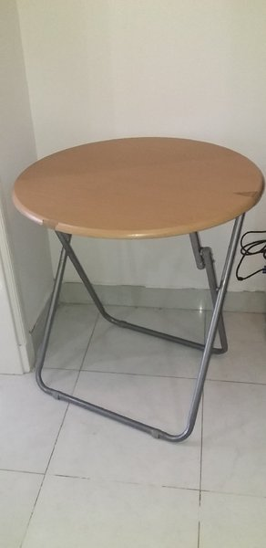 Used Wooden table(SOLD) in Dubai, UAE