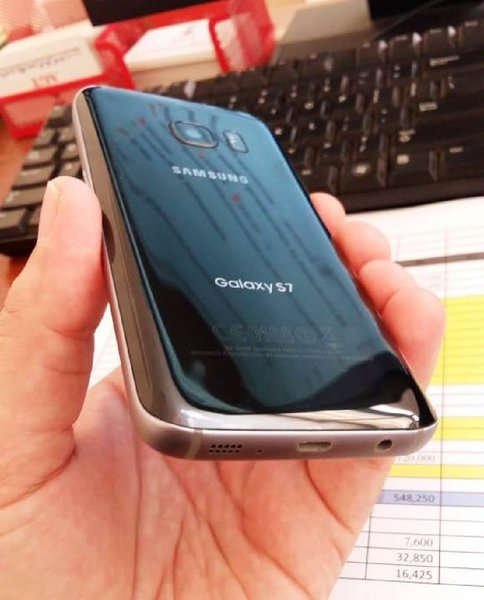 Used Samsung S7 Clean like new in Dubai, UAE