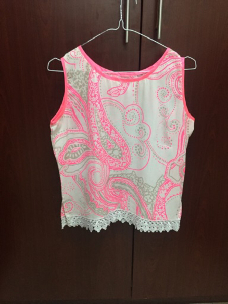 Used Pink Lacey top  in Dubai, UAE