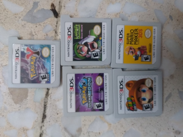 Used Nintendo 3ds xl whith 5 games in Dubai, UAE
