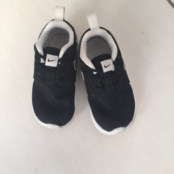 Nike Shoes For Toddler Size 24