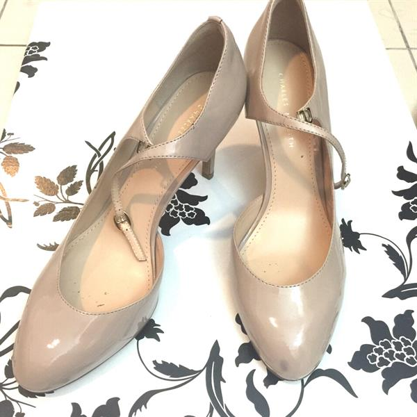 Used Chic Charles & Keith Pumps. Used Only Once. Size 40 US 9 in Dubai, UAE