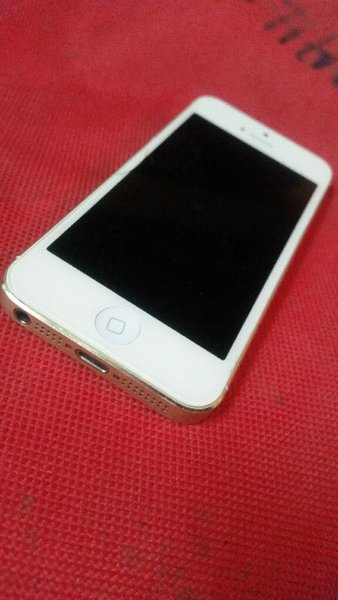 Used I phone 5 for sale in Dubai, UAE