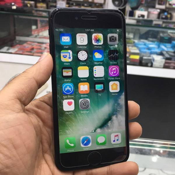 Used Iphone 6 64GB Black (front Camera and Finger Print Reader Not Working) in Dubai, UAE