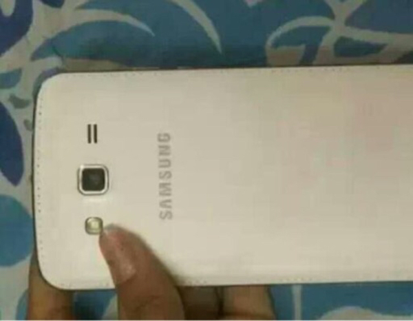 Used Samsung grand 2 mobile very good in Dubai, UAE
