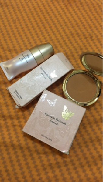 Used Foundation and two way cake  in Dubai, UAE