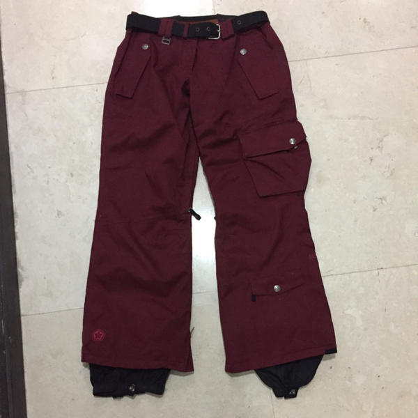 Used Sessions Men's Small Snowboarding Pants  in Dubai, UAE