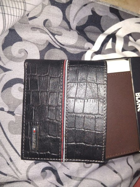 Used Tommy Hilfiger wallet master copy leathe in Dubai, UAE