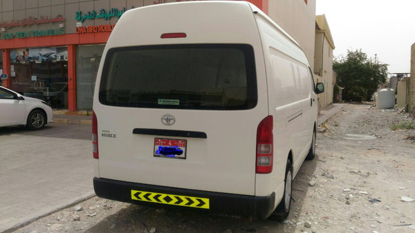 Used HIACE Hi Roof (no Any Scratch Only Inside Aluminum Sheet Allready ) in Dubai, UAE