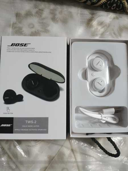Used BOSS HIGH QUALITY BASED SOUND AIRPODS in Dubai, UAE
