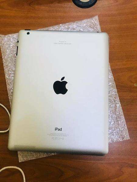 Used iPad 4 AED 380 in Dubai, UAE
