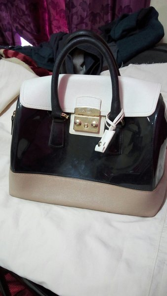 Used A Fancy quality Italian bag in Dubai, UAE