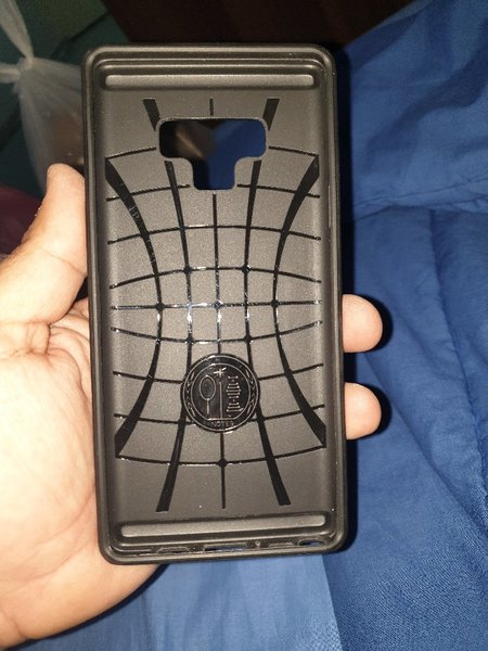 Used Note 9 case in Dubai, UAE