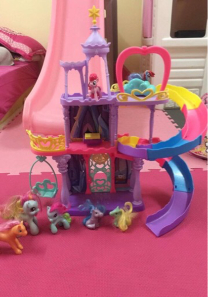 Used My little pony castle in Dubai, UAE
