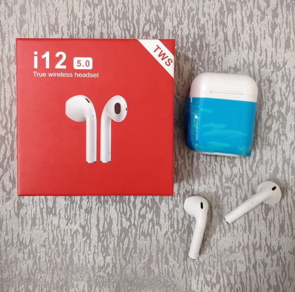 Used Limited i12 Airpods stock in Dubai, UAE