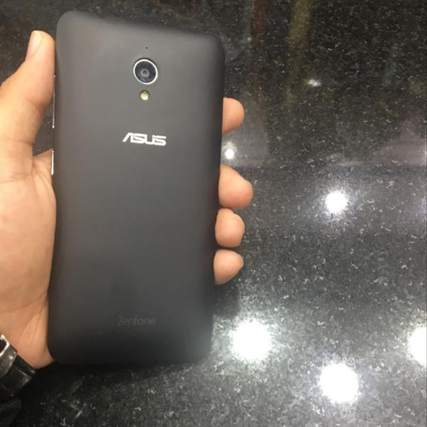 Used Asus J500 1 Year Old Needs Servicing Sometime Hang While Working Continusly in Dubai, UAE