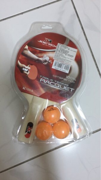 Used 2 Table tennis rackets with 3 balls in Dubai, UAE