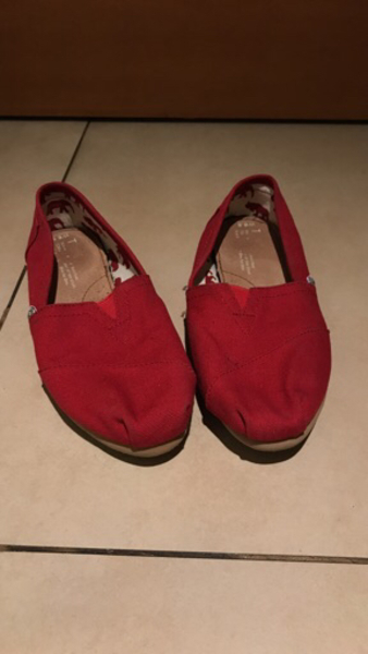 Used Toms size 6.5 in Dubai, UAE