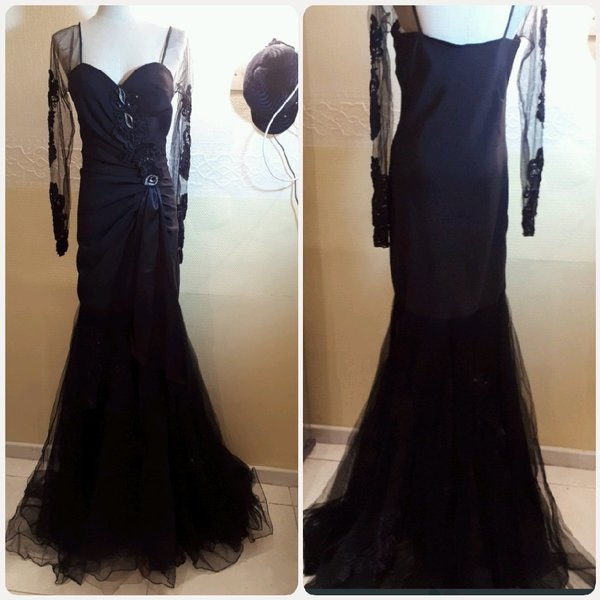 Used Long dress with sleeves black color.. in Dubai, UAE