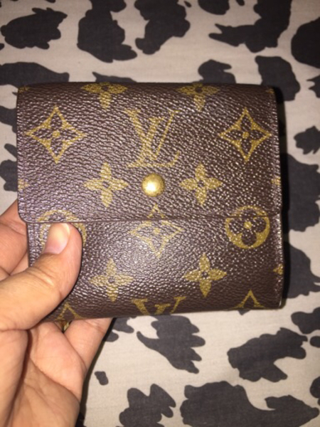 Used LV wallet 2 pcs in Dubai, UAE