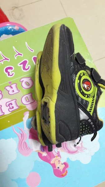 Used Pre loved boys skating shoes for sale. in Dubai, UAE