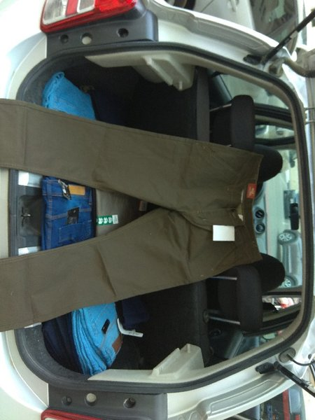 Used PANTS (TROUSER) in Dubai, UAE