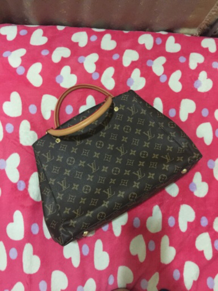 Used LV bag  in Dubai, UAE