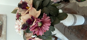 Used Artificial flowers and vase in Dubai, UAE
