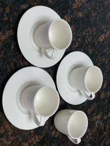 Used Cups and bowls  in Dubai, UAE