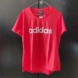 Used Original Adidas T-shirt size L  in Dubai, UAE