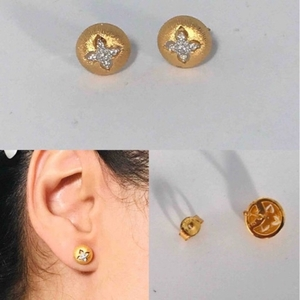 Used Fine jewelry earrings 24k gold plated  in Dubai, UAE