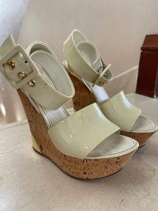 Used Louis Vuitton wedges  in Dubai, UAE