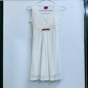 Used White Party Gown Stylish 🥵❣️ in Dubai, UAE
