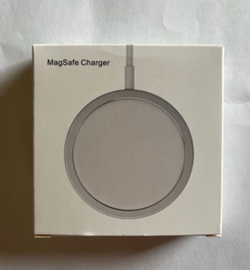Used MagSafe wireless charger for iPhone 12  in Dubai, UAE