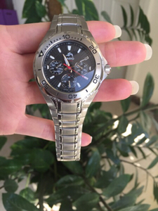 Used Casio watch needs battery change  in Dubai, UAE