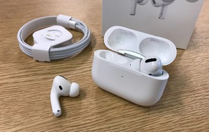 Used Air pod pros in Dubai, UAE