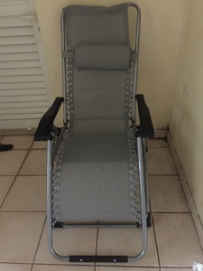 Used close able chair in Dubai, UAE