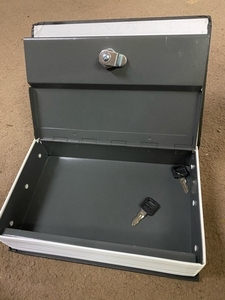 Used English dictionary Lockbox in Dubai, UAE