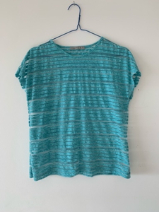 Used T-shirt H&M  size :Small in Dubai, UAE
