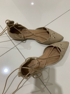 Used Flat shoes 🌺 perfect condition  in Dubai, UAE